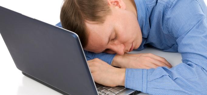 Почему многие мужчины проводят все свое время в интернете