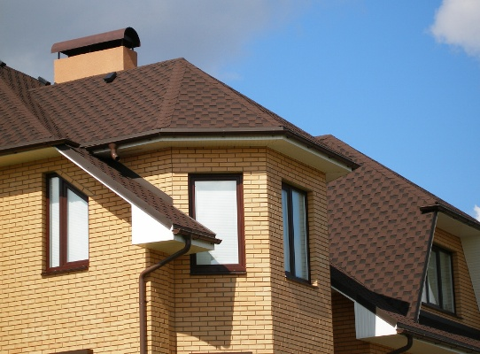 Битумная черепица для вашей крыши