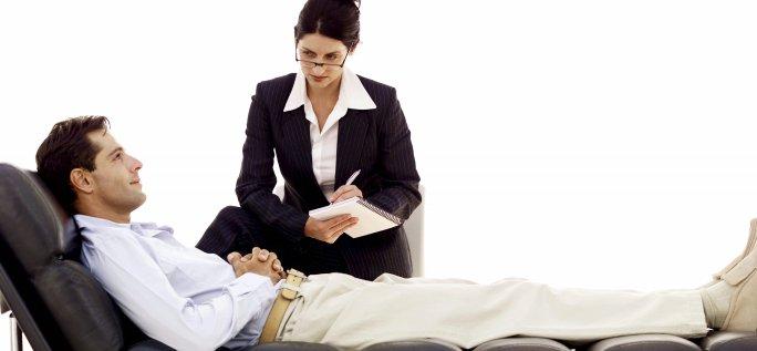 Почему люди решают обратиться за помощью к психотерапевту